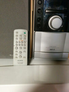 Mini chaine Sony CMT-EH10 .