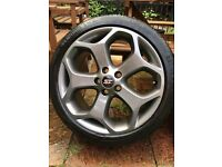 """Ford Focus st 18"""" alloys with tyres"""