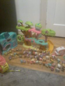 Little pet shops car random items 2 house and 60 characters