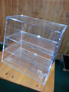 Acrylic counter-top display with rear access covers
