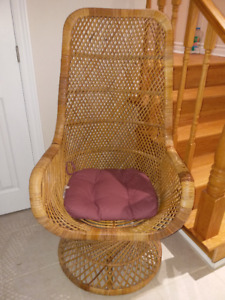Vintage Wicker Chair, (like new, including pillow) Reduced price