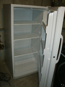 NICE AND CLEAN WHITE USED WOODS UPRIGHT FREEZER