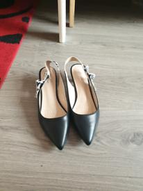 Ladies low heels sheos