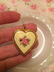 Vintage Estate Gold Filled Heart Locket Enamel Flowers