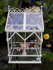 MINI GREENHOUSE WITH FURNITURE
