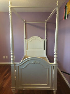 5 PIECE YOUNG AMERICA BEDROOM SET