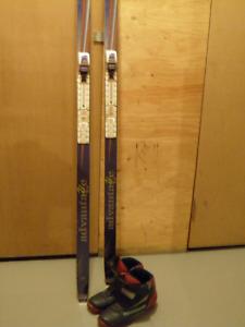 Skis de fond-bâtons-bottes