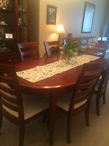 Dining table with 6 chairs & Hutch