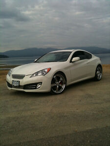 2010 Hyundai Genesis Coupe Premium Package coupe 3.8 Premium