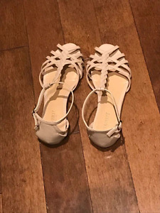 Woman's Sandals from Old Navy size 6