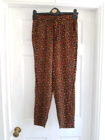 *AS NEW* Trousers Size 10