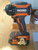 18 v impact driver and battery