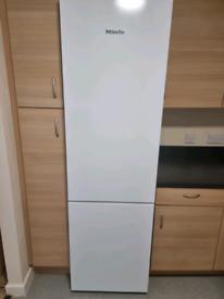 Miele 60/40 NoFrost Fridge Freezer 3 Months Old RRP £999