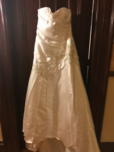 MAGGIE SOTTERO WEDDING DRESS - SIZE 16