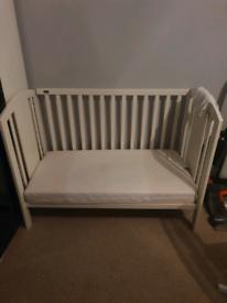 Mama's & papas cot bed
