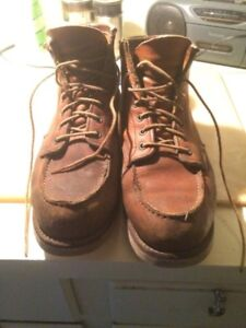 REDWING BOOTS SIZE 11
