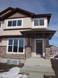DUPLEX / NO CONDO FEE IN WALKER SUMMIT !