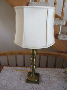 BRASS COLOURED TABLE LAMP WITH SHADE