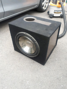 12 inch subwoofer company Infinity with amplifier 600 watts