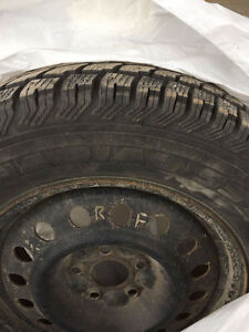 4 Winter tires on rims - Excellent Condition