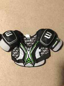 Lacrosse youth gear in excellent (like new) condition Peterborough Peterborough Area image 3
