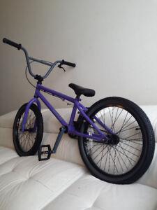 FRRE AGENT BMX, ABSOLUTELY LIKE BRAND NEW