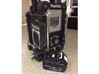 Makita Bluetooth radio and 3amp battery