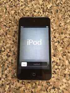 32GB IPOD TOUCH 4TH GENREATION