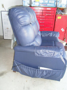 Lift Chair for sale Windsor Region Ontario image 3