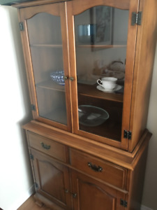 "Dining Room Hutch - 16"" x 34"" x 65"" - great condition"