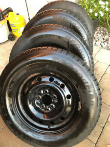 4 BF Goodrich winters 215 70 16 with rims 5 x 115mm