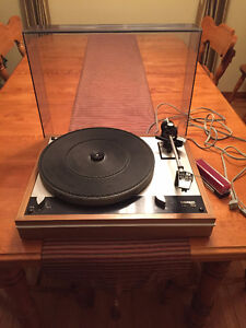 Thorens TD 160 turn table