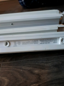 19 - 8' Pieces of White Track Lighting