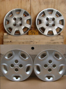 2 Diff. Sets Enjoliveurs d'orig./Factory Wheelcovers Nissan 14''