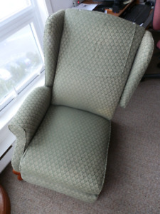 Wing-back Recliner Chair