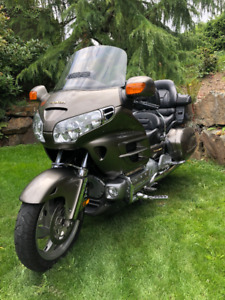 2004 Honda Goldwing GL 1800 ABS loaded!!