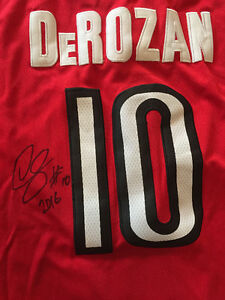 Raptors - Derozan signed jersey with certification