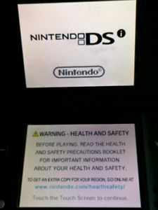 NINTENDO DS with Games and Charger Dsi