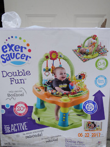 Exersaucer Double Fun, excellent condition, with the box