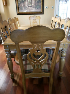 Dining room suite - Table + 8 Chairs + Buffet + Hutch