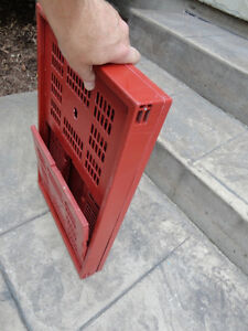 Red sturdy Collapsible Storage Crate -- In Excellent Shape Kitchener / Waterloo Kitchener Area image 2
