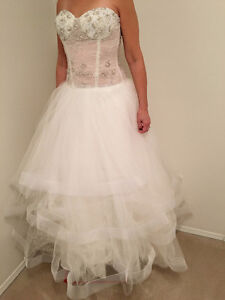 Brand new LC Nicole (Lillen Collection) wedding dress