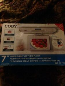 NEW COBY  LCD TV/DVD PLAYER