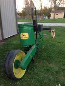 John Deere single row corn planter