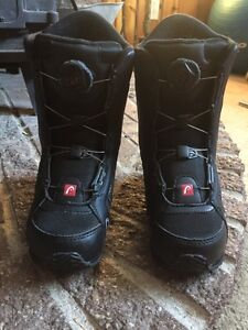 Youth Jr. boa Head snowboard boots size 2/3 almost new