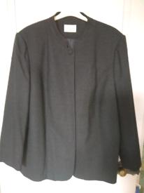 **AS NEW** Elvi jacket size 24