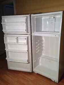 Réfrigérateur blanc 12,5 pi3 Frigidaire
