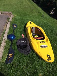 Kayak Turbo Riot 47, Jupette et pagaie Riot et casque Protec Saguenay Saguenay-Lac-Saint-Jean image 1