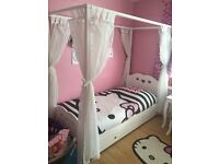Childs 4 poster bed, single