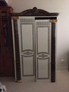 Large Hutch/Wardrobe/Cabinet - Must sell before March 31